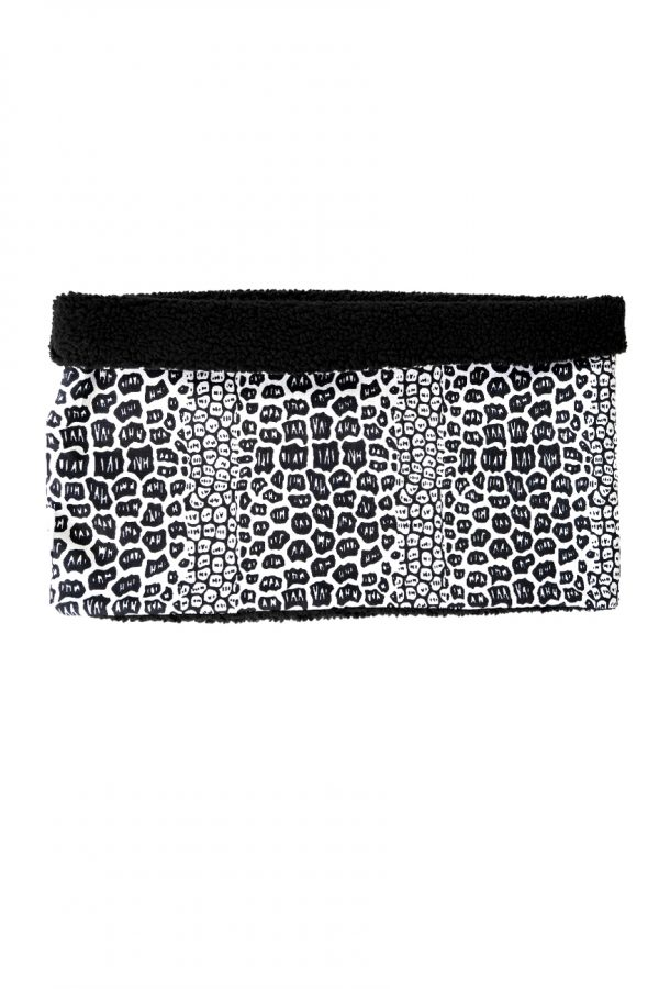 I am R Snood Monochrome croc pattern on the outside, and black soft teddy fleece on the inside